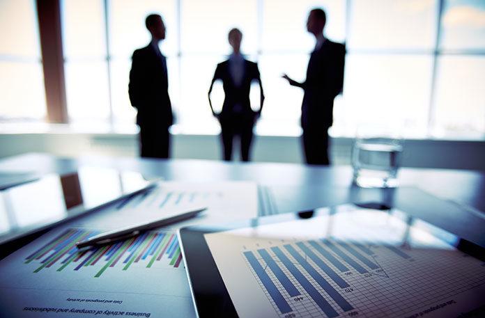 Własna firma czy etat - jak wybrać?