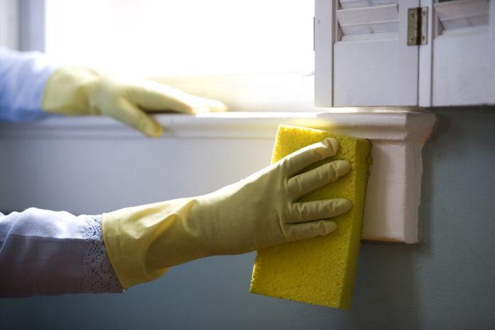 Dlaczego warto zlecić sprzątanie lokalu zewnętrznej firmie?