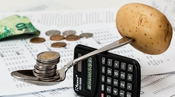 Jak nauczyć się oszczędzać pieniądze w rodzinie? Top 7 porad